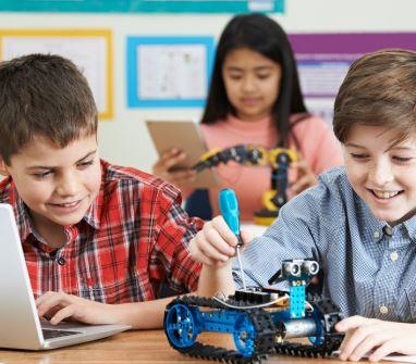 Los jóvenes de primaria trabajaran en el futuro en trabajos no inventados